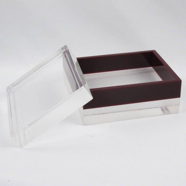 English Traditional Dunhill England 1970s Mid-Century Bi-Color Lucite Box For Sale - Image 3 of 9