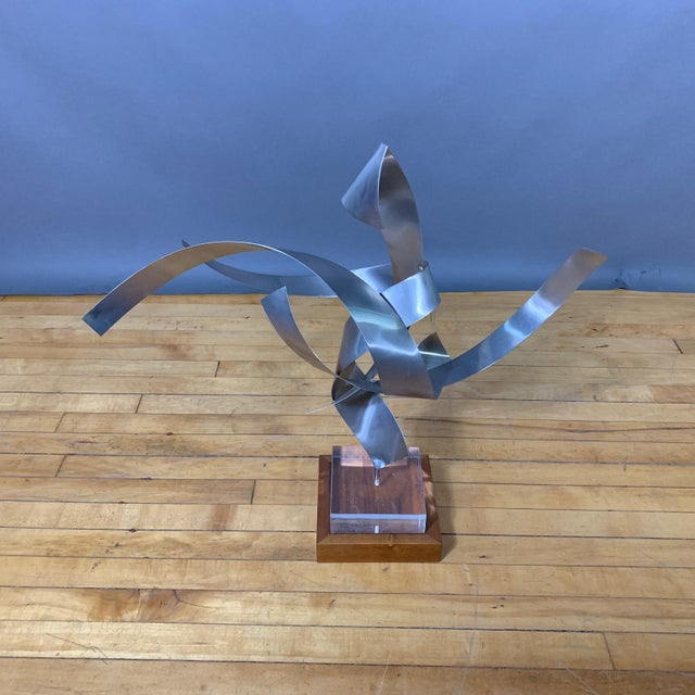Silver Ribbon Sculpture, Steel, Lucite, Wood, Borme 1980s For Sale - Image 8 of 10