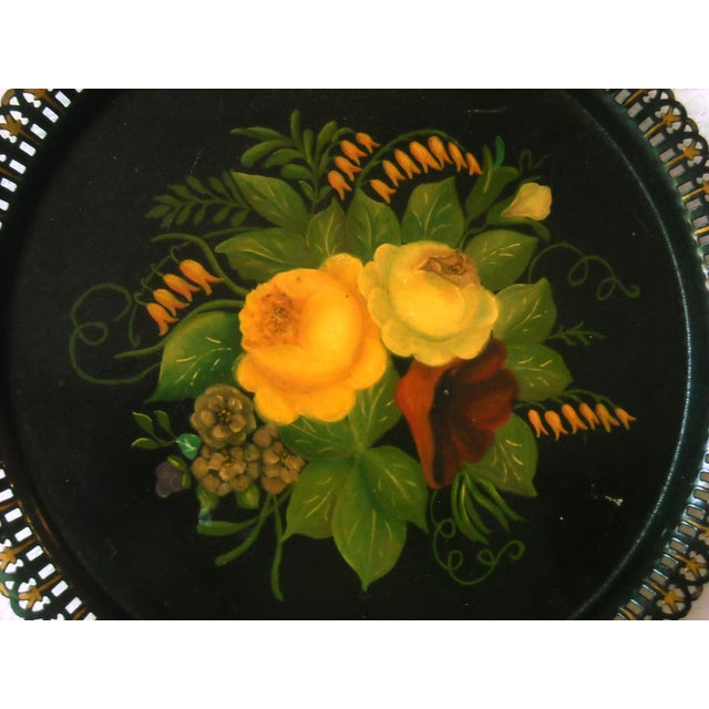 Antique Round Floral Tole Tray - Image 4 of 4