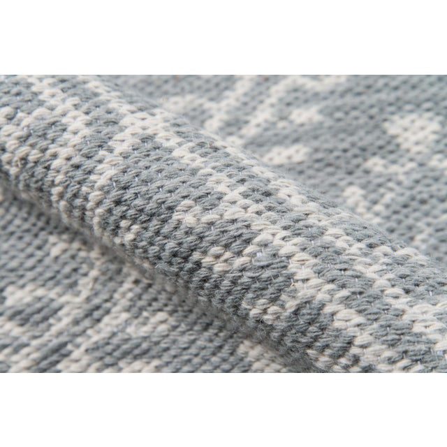 """Erin Gates by Momeni Easton Pleasant Grey Indoor/Outdoor Hand Woven Area Rug - 5' X 7'6"""" For Sale - Image 4 of 7"""