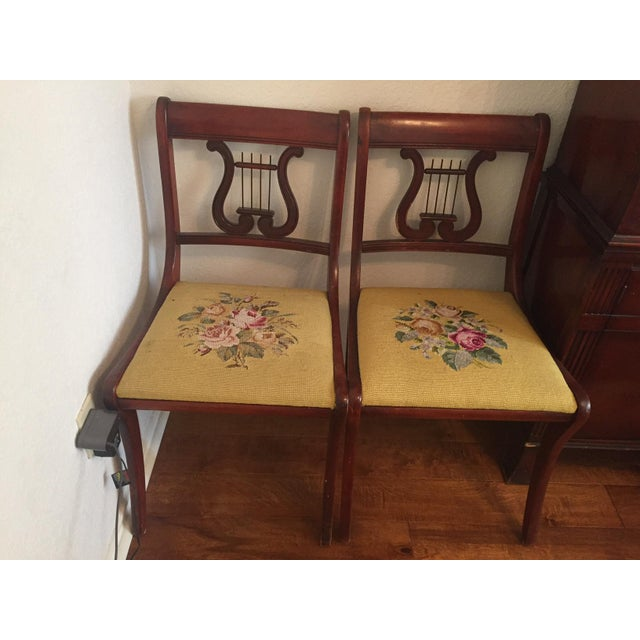 Drexel Heritage Drexel Heritage Vintage Mahogany Dining Set -Table and 6 Chairs For Sale - Image 4 of 10
