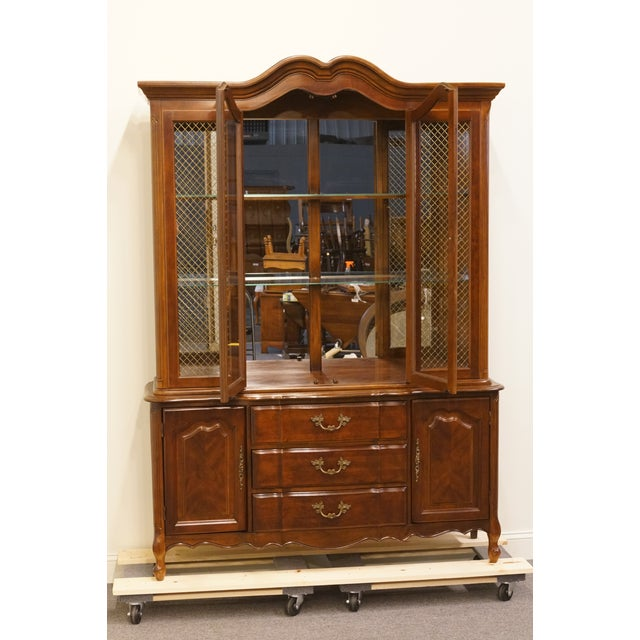 Bernhardt 20th Century French Provincial Bernhardt Furniture Lighted China Cabinet For Sale - Image 4 of 13