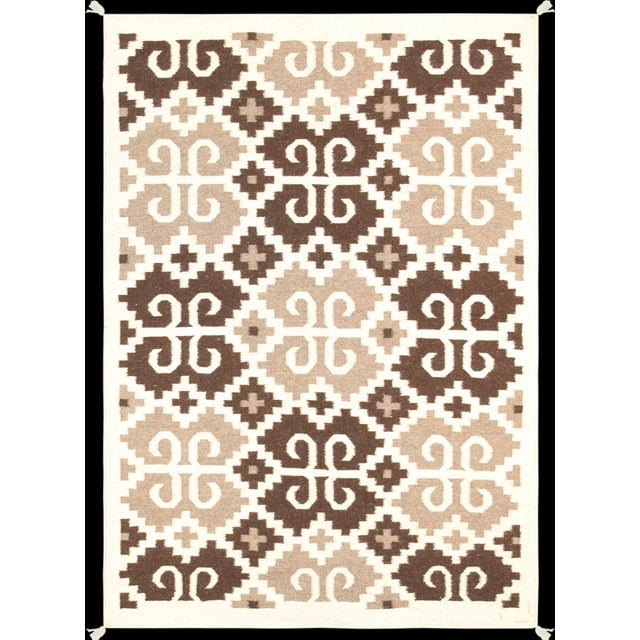 "Pasargad's Navajo Style Hand-Woven Rug - 4'2"" X 6'0"" For Sale"