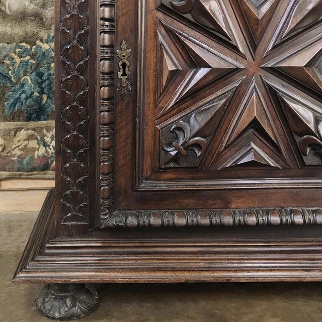 19th Century Louis XIII French Walnut Two-Tiered Cabinet For Sale - Image 11 of 13