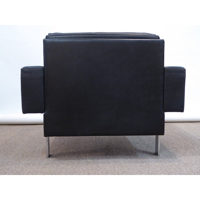 1960s Illum Wikkelsø Danish Modern Club Chair in Leather & Stainless Steel Legs by Mikael Laursen For Sale - Image 5 of 7