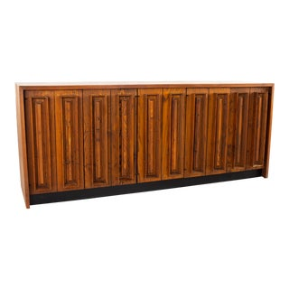 Dillingham Mid Century Pecky Cypress and Walnut Sideboard Credenza Buffet For Sale