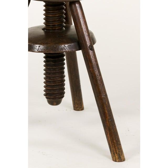 1870s English Oak Three Legged Adjustable Artist Stool For Sale - Image 4 of 12