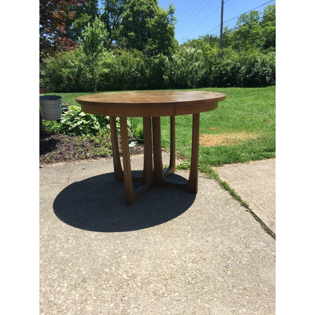 Mid-Century Modern Broyhill Emphasis Mid Century Dining Room Table For Sale - Image 3 of 12