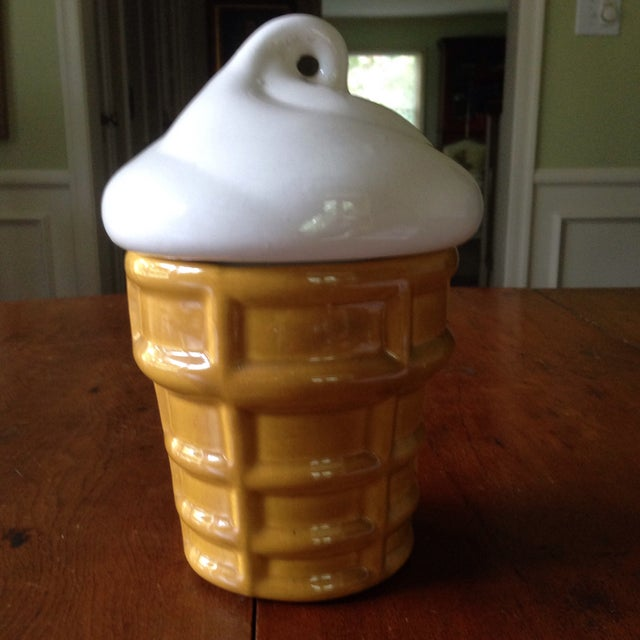 Vintage Ice Cream Cone Cookie Jar - Image 10 of 11
