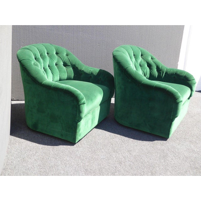 Vintage Pair of Mid Century Modern Tufted Green Velvet Swivel Club Chairs - Image 4 of 11