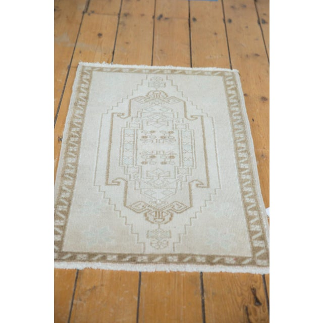 "Old New House Vintage Distressed Oushak Rug Mat - 1'10"" X 2'11"" For Sale - Image 4 of 6"