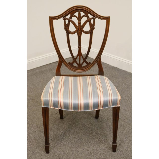 1940s Vintage Duncan Phyfe Shield Back Dining / Side Chair For Sale In Kansas City - Image 6 of 6