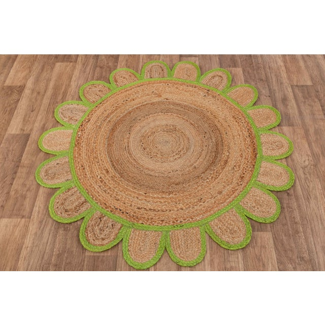 4'x4' Green Round Jute Scallop Rug For Sale - Image 6 of 9