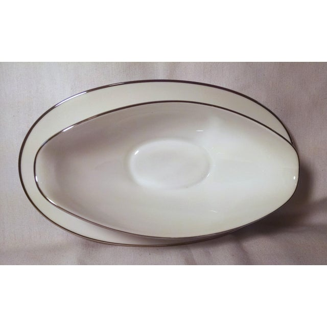 Noritake White Platinum Colony Gravy Boat With Attached Underplate - Image 4 of 6