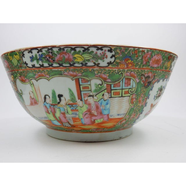 Antique Chinese Export Rose Medallion Serving Bowl For Sale - Image 4 of 11