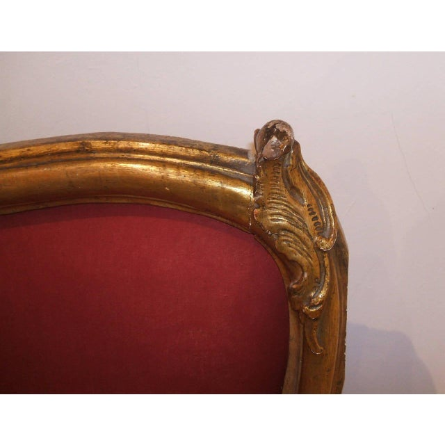 Mid 18th Century Louis XV Red Upholstered Giltwood Settees - a Pair For Sale - Image 5 of 5