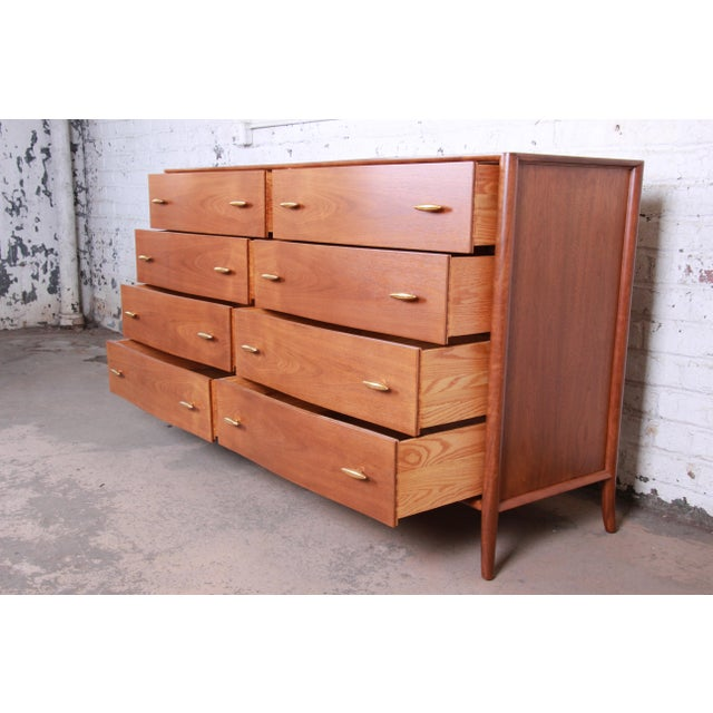 Robsjohn-Gibbings for Widdicomb Saber Leg Double Dresser With 24k Gold Plated Drawer Pulls, Circa 1955 For Sale In South Bend - Image 6 of 13