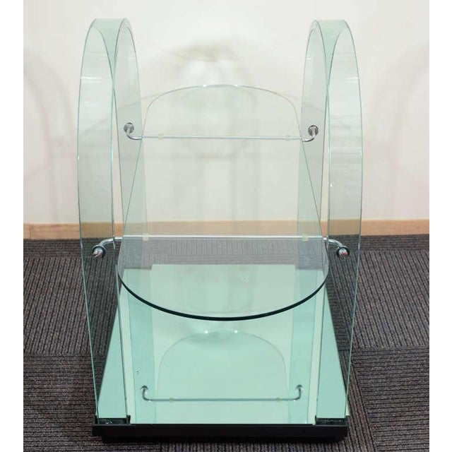 1970s FRENCH MODERNIST GLASS AND MIRROR SERVING CART For Sale - Image 5 of 6