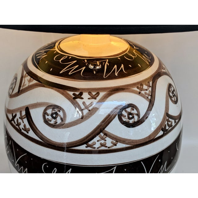 Vintage 1970s Cream & Brown Ceramic Table Lamp For Sale In Miami - Image 6 of 13