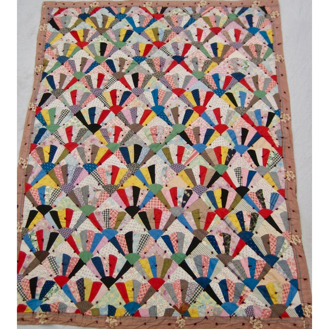 One of the most famous item of americana art, the quilt is a classic of this style, here we present a very lovely piece...
