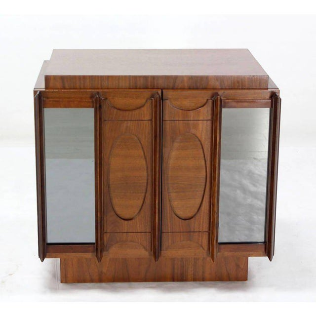 Walnut Mid-Century Modern Oiled Walnut Night Stand or End Table For Sale - Image 7 of 10