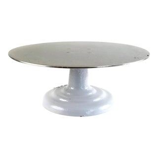 Vintage Ateco Industrial Cake Decorating Revolving White Cast Iron Display Stand For Sale