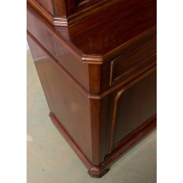 French 19th Century Two-Part Mahogany Bookcase For Sale In New York - Image 6 of 10