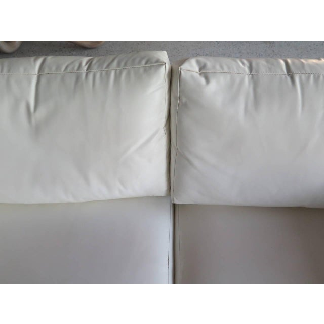 1970s Pair of Classic Minimalist Milo Baughman Settees For Sale - Image 5 of 9
