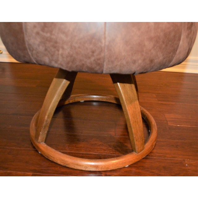 Mid-Century Modern 1950s Vintage Bentwood Swivel Stool For Sale - Image 3 of 10