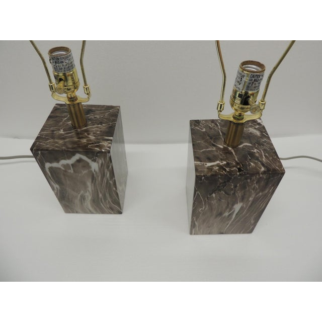 Mid-Century Modern Pair of Marbelized Squared Table Lamps For Sale - Image 3 of 9