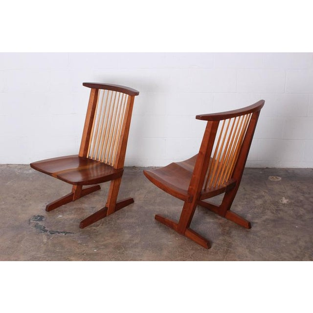 1990s Pair of Conoid Lounge Chairs by George Nakashima For Sale - Image 5 of 10