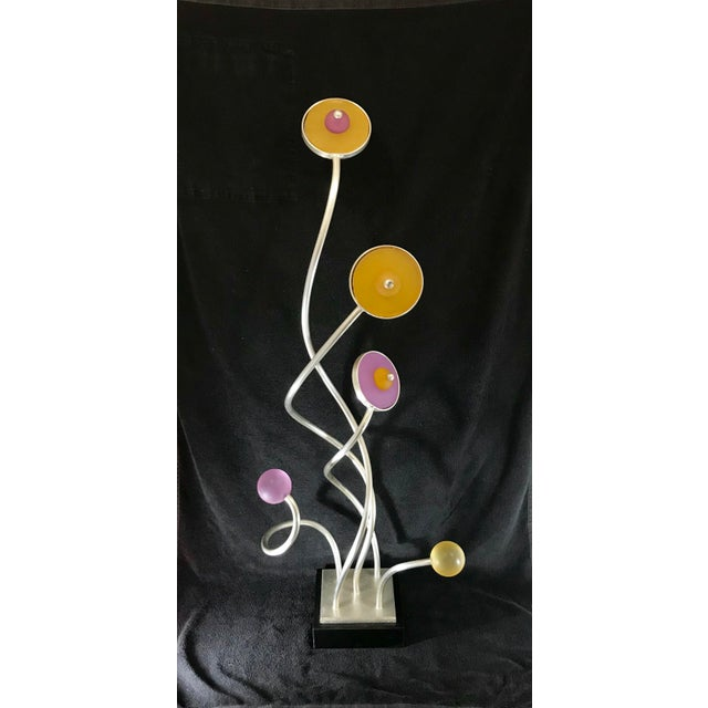 Abstract Vintage Mid-Century Modern Abstract Memphis Style Metal and Lucite Flower Sculpture For Sale - Image 3 of 12