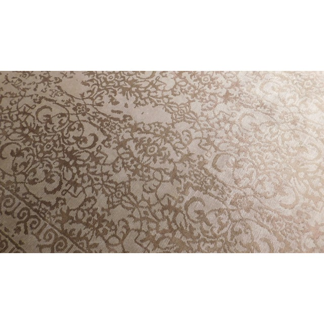 """Transitional Hand-Knotted Bamboo Silk Luxury Rug - 8'1"""" X 10'1 - Image 3 of 4"""