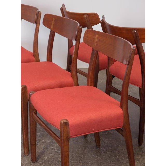 1960s Set of Six Hans J. Wegner Ch-23 Dining Chairs For Sale - Image 5 of 11