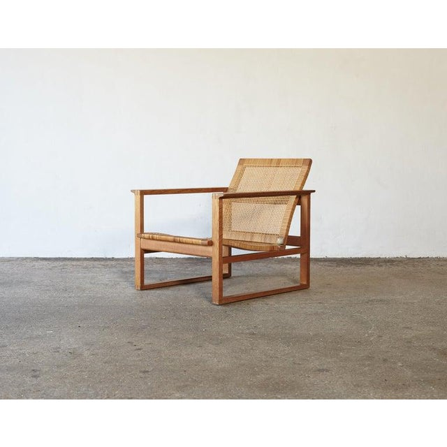 Børge Mogensen 2256 Oak and Cane Sled Lounge Chair, Fredericia, Denmark, 1950s For Sale - Image 12 of 13