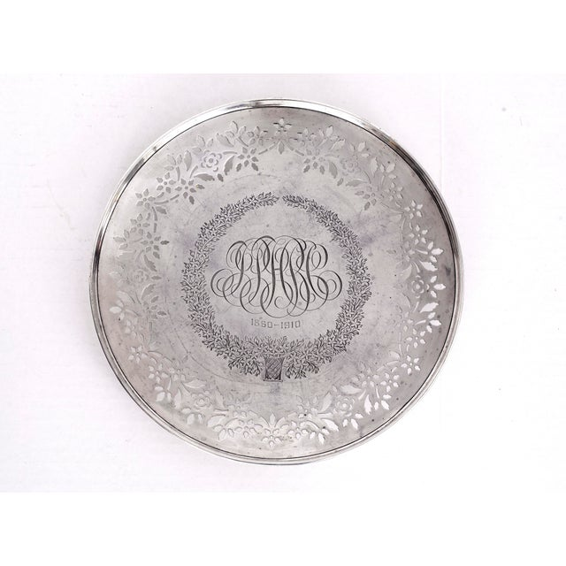 Engraving 1910 Sterling Silver Pedestal Plate for Bailey Banks Biddle For Sale - Image 7 of 7