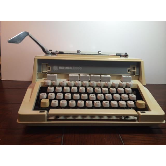 Mid-Century Modern Vintage 1970's Hermes 3000 / Media Portable Typewriter & Case For Sale - Image 3 of 11