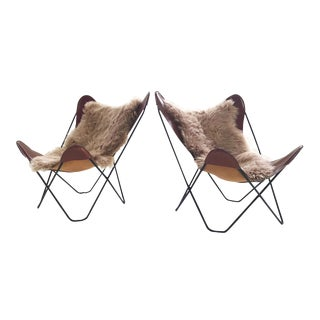 Vintage Antonio Bonet, Juan Kurchan, and Jorge Ferrari Hardoy for Knoll Butterfly Chairs With Sheepskins - Pair For Sale