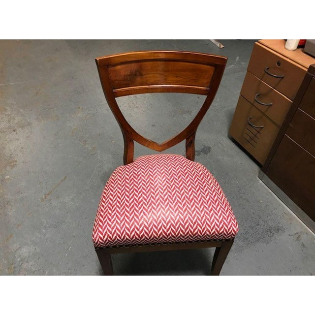 A Set of 6 Biedermeier Mahogany Upholstered Shield Back Dining Chairs With a Brass Inlay For Sale In New York - Image 6 of 7