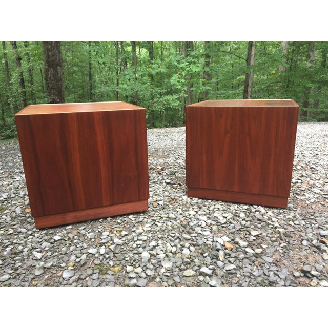 Pair of rare c. 1960 small walnut cube tables or stands by iconic New York designer Jens Risom. Functionally versatile....
