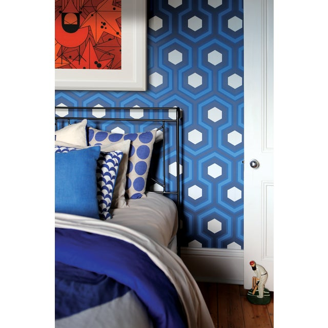 Cole and Son Hicks Grand Wallpaper in Blue For Sale - Image 4 of 4