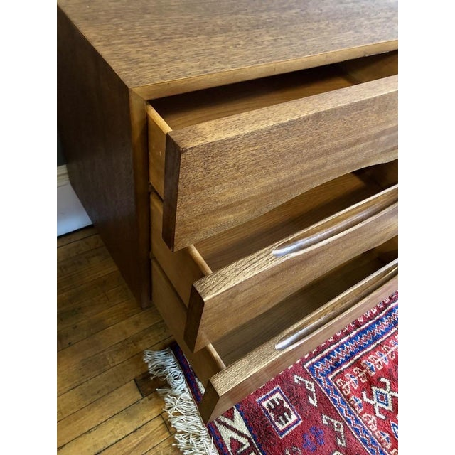 American of Martinsville Mid Century American of Matinsville 9 Drawer Dresser/Lowboy For Sale - Image 4 of 9