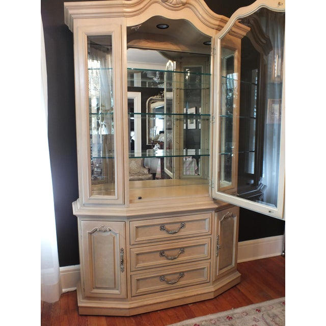 Thomasville Country French China Cabinet - Image 5 of 11