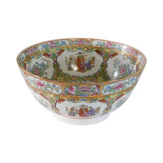 Rose Medallion Porcelain Bowl With Gilt Trim For Sale