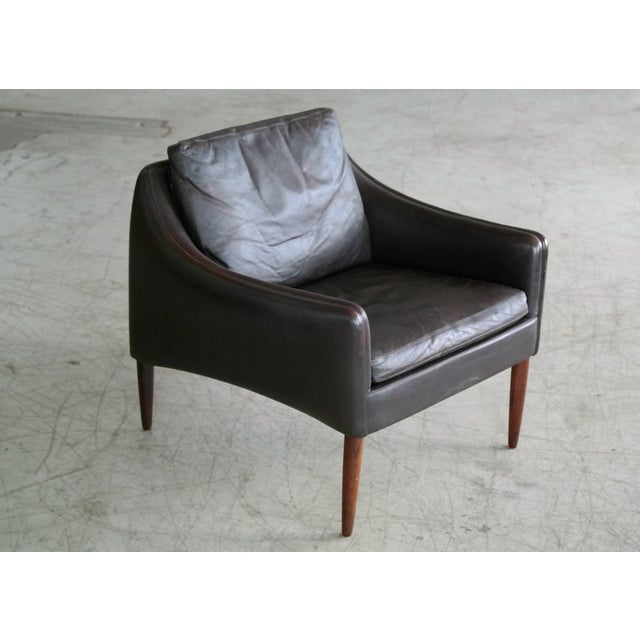 Hans Olsen Hans Olsen Pair of Danish Lounge Chairs in Brown Leather and Rosewood Legs For Sale - Image 4 of 13
