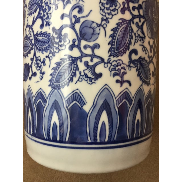 Asian Blue and White Porcelain Umbrella Stand For Sale - Image 4 of 7