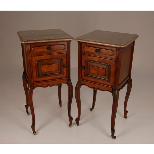 Late 19th Century French Victorian Nightstands on Castors Rose Veneer Carved Wood Marble Top - a Pair For Sale - Image 5 of 12