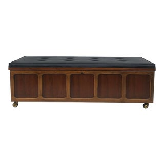 Mid-Century Modern Bench or Blanketchest by Lane Furniture For Sale