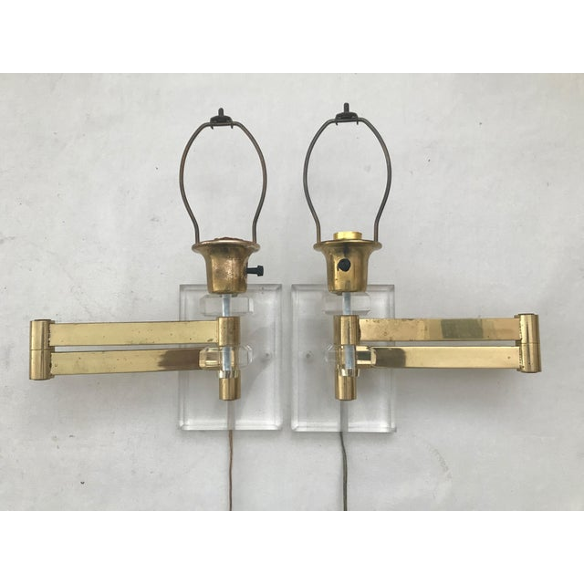 Walter Von Nessen Karl Springer Style Lucite Acrylic Brass Wall Sconces - a Pair For Sale - Image 10 of 10