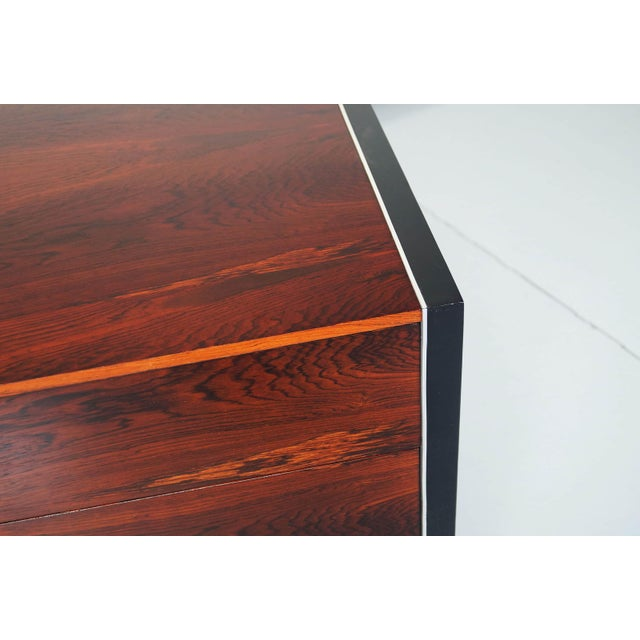 Rosewood Dresser by Robert Baron for Glenn of California For Sale In Los Angeles - Image 6 of 7